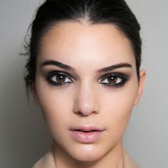 Watch How to Get Kendall Jenner's Signature Smoky Eye