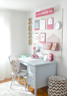 I was inspired by Beth from Home Stories A to Z to create a little desk area for my girls, especially with school starting. It's a great little area to keep the