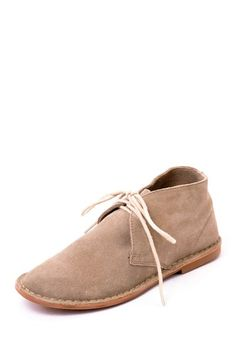 love these desert boots
