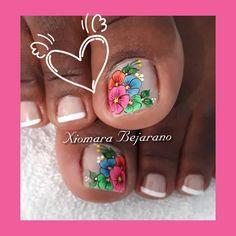 Pedicure, Nailart, Butterfly Nail, How To Make, Erika, Designed Nails, Simple Toe Nails, Pretty Toe Nails, Pretty Nails