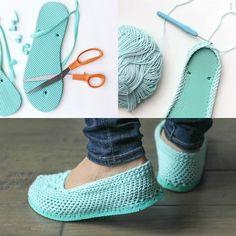 DIY crochet shoes out of flip flops Crochet Slipper Pattern, Crochet Shoes, Crochet Slippers, Crochet Clothes, Crochet Patterns, Crochet Ideas, Felted Slippers, Crochet Crafts, Crochet Dog Sweater