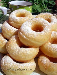 Bulgarian Desserts, Bulgarian Recipes, Bulgarian Food, Cooking Bread, Cooking Recipes, Balkan Food, Greek Donuts, Party Food Platters, Gluten Free Chocolate Cake