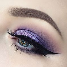 """HAPPY FRIDAY this is my eye look for today using my palette, I think this may be one of my favourite morphe palettes, besides the…"" Kiss Makeup, Glam Makeup, Love Makeup, Makeup Inspo, Makeup Inspiration, Beauty Makeup, Hair Makeup, Makeup Goals, Makeup Tips"