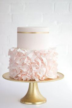 Pretty blush and gold ruffle cake: