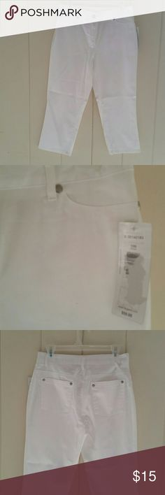 Classic Capri Pants - NWT Beautiful white capri pants with a classic fit. 98% cotton,  2% spandex for breathable comfort. Classic front and rear pockets. Very versatile pant - wear for work or casual. A new staple for your warm weather wardrobe. Nygard Pants Capris
