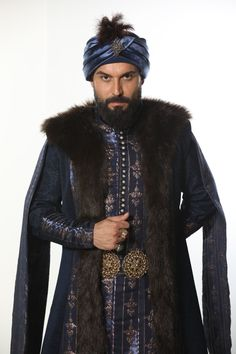 MAHMUT / Ali Ersan Duru Turkish Actors, My Heart, Fur Coat, Fashion Dresses, Mens Fashion, Istanbul, Animation, Drawing, Style