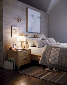 Great take on cozy, MODERN cabin design. Really great soothing colour choices. Rich textures. Great room to use in future project! #MasculineBedding