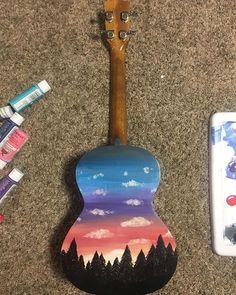 44 Ideas De Ukeleles Ukelele Pintado Guitarras Pintadas Guitarras Decoradas