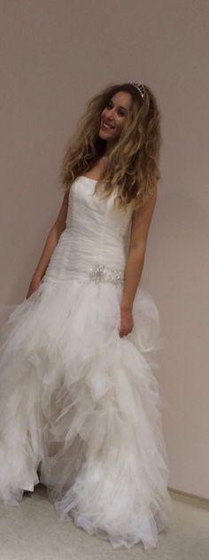 Romanticismo, tulle e strass per la mia sposa! Alessandro Tosetti Www.tosettisposa.it #abitidasposa #nozze #wedding #matrimonio #tosetti # tosettisposa #weddingdress #