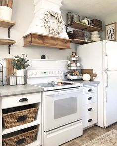 Likes, 71 Comments - Shanna Kitchen Dinning, Farmhouse Kitchen Decor, Kitchen Redo, Home Decor Kitchen, Country Kitchen, New Kitchen, Home Kitchens, Kitchen Remodel, Kitchen Design