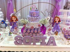 50 ideias para decoração Festa Princesinha Sofia Princess Sofia Party, Princess Theme Birthday, Frozen Birthday Theme, Barbie Birthday, Sophia The First Birthday Party Ideas, First Birthday Parties, 3rd Birthday, First Birthdays, Party Corner