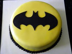 Faithy Cakes - Batman birthday cake. This one looks easy enough for me to do.