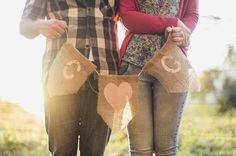 e-session - ensaio noivos - ensaio casal - ensaio ao ar livre - e-session ao ar livre - noivos - bandeirolas - bandeirinhas - blog de casamento