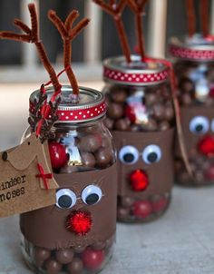 Make Christmas gifts yourself - 40 ideas for personal Weihnachtsgeschenke selber basteln – 40 Ideen für persönliche Geschenke Make Christmas gifts yourself – 40 ideas for personal gifts - Christmas Mason Jars, Noel Christmas, Diy Christmas Gifts, Christmas Projects, Christmas Treats, Holiday Crafts, Christmas Ornaments, Christmas Chocolate, Christmas 2019