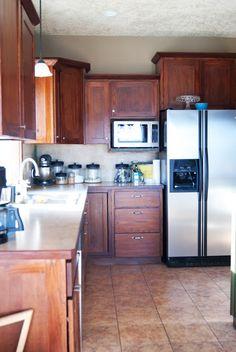 DIY Concrete Counters Poured over Laminate Concrete Countertops Over Laminate, Slate Countertop, Cheap Countertops, Concrete Kitchen, Concrete Table, Countertop Materials, Kitchen Countertops, Updated Kitchen, New Kitchen