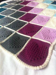 Crochet heart bobble stitch blanket No pattern Crochet Heart Blanket, Bobble Crochet, Manta Crochet, Crochet Squares, Crochet Granny, Crochet Yarn, Crochet Stitches, Granny Squares, Heart Granny Square
