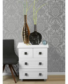 This Crown Signature Damask Wallpaper in grey and silver has a metallic pattern on a matte background for a modern twist. Free UK delivery available