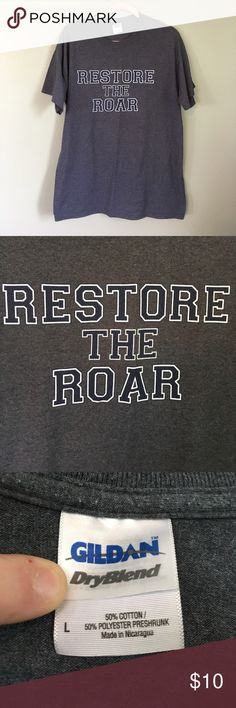 Unisex size Large Penn State tshirt Unisex size Large Penn State tshirt that says restore the roar.  Gildan brand.  It is in like new condition.  It was only worn a few times.  It comes from a smoke free & pet free home.  Bundle & save! Gildan Shirts Tees - Short Sleeve