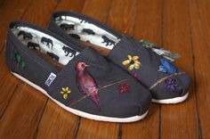 Birds and Wildflowers TOMS shoes // #TOMSshoes TOMS Shoes #OneforOne One for One #StyleYourSole Style Your Sole #DIY