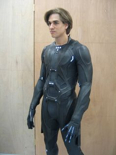 Tron Legacy Rinzler suit by Goblin Bones Tron Costume, Space Suit Costume, Combat Suit, Tron Legacy, Latex Suit, Futuristic Armour, Suit Of Armor, Body Armor, Superhero Design