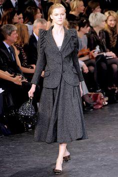Louis Vuitton Fall 2010 Ready-to-Wear Fashion Show - Kasia Struss (Women)