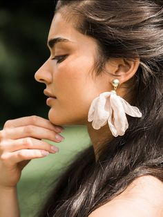 Stylish fashion earrings at affordable prices - Chandelier Earrings, Studs, Dangle Earrings, Bridal Earrings. Off First Order at Olive + Piper Vancouver. Big Earrings, Tassel Earrings, Statement Earrings, Drop Earrings, Wedding Earrings Drop, Bridal Earrings, Bridal Jewelry, Fashion Jewellery Online, Ear Jewelry