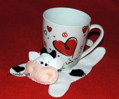 Felt Crafts, Easter Crafts, Diy And Crafts, Cow Craft, Sewing Crafts, Sewing Projects, Cute Coasters, Mug Rug Patterns, Felt Decorations