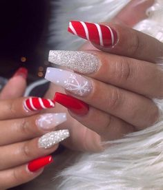 Nice red, candy cane and glitter christmas nails! # Christmas nails # Related posts: The cutest and festive Christmas nail designs to … Chistmas Nails, Cute Christmas Nails, Christmas Nail Art Designs, Xmas Nails, Holiday Nails, Christmas Acrylic Nails, Christmas Christmas, Christmas Glitter, Winter Acrylic Nails