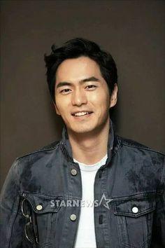 Korean Men, Korean Actors, Lee Jin Wook, Cute Guys, Thats Not My, Celebrities, Pictures, Smile, Cute Men