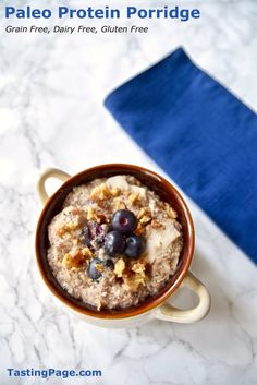 This paleo protein porridge is a quick and easy breakfast to keep you fueled all day long. It's grain free, dairy free and full of superfoods to maximize your energy. Low Carb Breakfast, Healthy Breakfast Recipes, Healthy Food, Ketogenic Breakfast, Breakfast Muffins, Health Breakfast, Brunch Recipes, Breakfast Ideas, Dairy Free Recipes