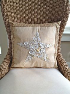⊙ Cute as a Button ⊙  artful button crafts and diy inspiration - Primitive Pillow With Vintage Buttons