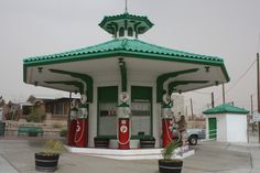1919 Vintage Gas Station