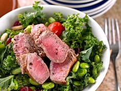 Low Carb, die Ernährungsweise mit geringem Kohlenhydratanteil, macht seit einigen Jahren von sich reden. Wir stellen ein Rezept vor, das sehr typisch für die Low-Carb-Ernährung ist.