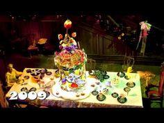 Celebrating 15 Seasons of Haunted Mansion Holiday Gingerbread Houses at Disneyland Park - YouTube Disneyland Park, Gingerbread Houses, Haunted Mansion, Treats, Seasons, Mansions, Christmas Ornaments, Holiday Decor, Youtube