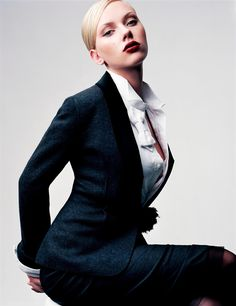 Tailored, menswear-inspired suit on Scarlett Johansson. #fashion #editorial
