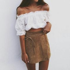 Crop top and suede skirt for end of summer. #fashion #suedeskirt #croptop #miniskirt #fabfashionfix #whitetop