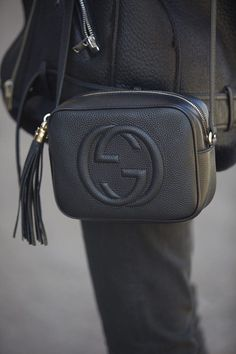 Find tips and tricks, amazing ideas for Gucci purses. Discover and try out new things about Gucci purses site Gucci Purses, Gucci Handbags, Luxury Handbags, Purses And Handbags, Gucci Bags, Cheap Handbags, Denim Handbags, Prada Bag, Carteras Michael Kors