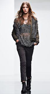TWIN-SET Simona Barbieri :: Look Book :: MAIN COLLECTION Twins, Leather Jacket, Books, Jackets, Collection, Fashion, Studded Leather Jacket, Down Jackets, Moda