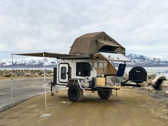 14 Best Off-Road Camper Trailers! Discover the best Off-Road Camper Trailers for your next camping adventure here in our guide that features the coolest off-road trailers you can buy! Camping Trailer Diy, Off Road Camper Trailer, Trailer Build, Vintage Trailers, Camper Trailers, Vintage Campers, Travel Trailers, Expedition Trailer, Overland Trailer