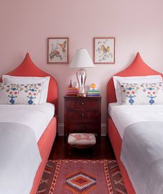 Cute little room with twin beds