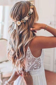 Top 40 Best Wedding Hairstyles For Long Hair 2019 - Jeena F.- Top 40 Best Wedding Hairstyles For Long Hair 2019 – Jeena F. Top 40 Best Wedding Hairstyles For Long Hair 2019 – - Wedding Hairstyles With Crown, Flower Crown Hairstyle, Crown Hairstyles, Long Hairstyles, School Hairstyles, Hairstyle Ideas, Hairstyle With Flowers, Wedding Hairstyles Half Up Half Down, Flower Braids