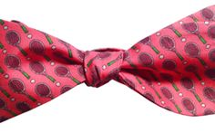 The Lazyjack Press customer values old-school European luxury combined with American cheek — thi¬s was apparent from their first Italian-made tie, where a red party cup motif appeared on the same 21 momme silk twill that Hermès uses. #hermes #bowtie #lazyjackpress #billiondollarbuyer #europeanluxury #american #cheeky #ties #bowties #luxury #menswear #mensclothing #dressup #workclothes #nerd #nerdy #poundr #realmenwearpink #tennis #tennisanyone
