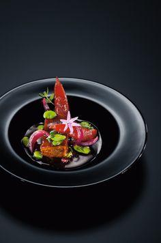 Lammrücken und Geschmortes von der Älber Wacholderheide mit Saubohnen und Tomaten