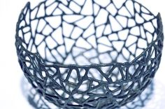 Schale aus 2 mm Eisendraht geschweißt