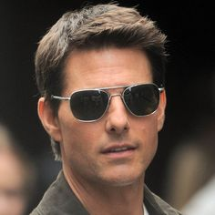 8b9079d0cd The Versace Black Sunglasses  Get Tom Cruise s look now!