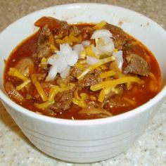 Weight Watchers Chili recipe It says 7 points, but thats probably the old points system. Need to run it through the recipe builder for points plus. Skinny Recipes, Ww Recipes, Chili Recipes, Low Carb Recipes, Cooking Recipes, Healthy Recipes, Healthy Chili, Skinny Meals, Flour Recipes
