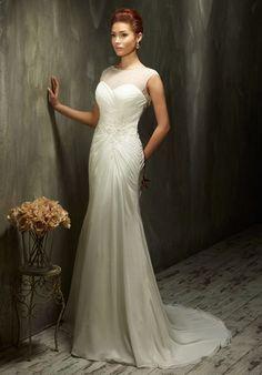 Elegantes Vintage Hochzeitskleid mit schmalem Schnitt aus Chiffon in Elfenbein und Weiß - von Lisa Donetti