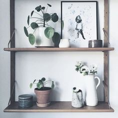 I finally got my grandmother and grandfather's old shelf up. This is one of the things I inherited from their beautiful house. All the pretty ceramics from @sostrenegrene fits so well.  #sonomasevenhome  #grenehome #sponsored