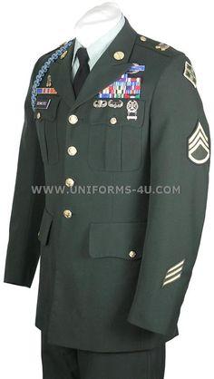Look Sharp!: U.S. Army Uniform Guide