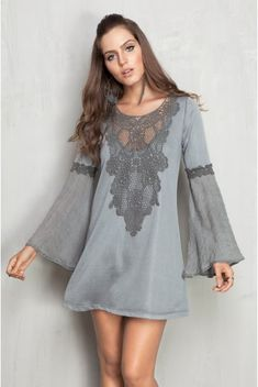 Love the bell sleeves Cute Dresses, Beautiful Dresses, Casual Dresses, Short Dresses, Summer Dresses, Cute Fashion, Look Fashion, Womens Fashion, Fashion Design